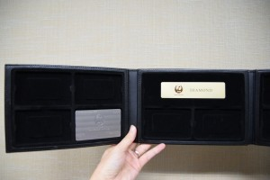 JAL、4年連続メタル会員向けに専用カードケースを用意