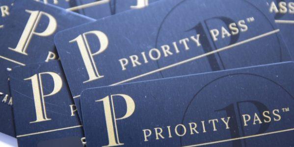 プラチナカードなどのクレジットカードで利用できる「プライオリティ・パス(Priority Pass)」とは? 入手方法・使い方まで解説