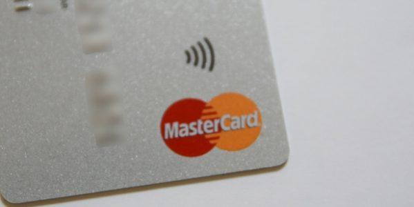 Mastercardコンタクトレスが搭載されたクレジットカードとは?