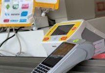 さっぽろ夏祭り会場でキャッシュレス決済端末「KAZAPi」が導入 Visaのタッチ決済や各種電子マネーの利用が可能に