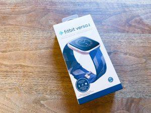 Amazon.co.jpで購入したFitbit Versa 2