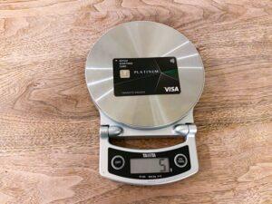 クレジットカードの重さは5g